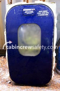 84000058 - Cabin Crew Safety Boeing B737 Classic Over Wing Exit (OWE) Door